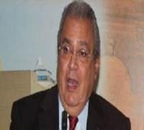 Menteri Kebudayaan Mesir Menyerang Hijab, Membela Foto Bugil