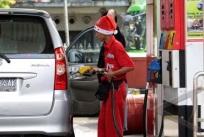 Bolehkan Atribut Natal, Dirjen Bimas Islam Lecehkan Syariat dan Sesatkan Umat