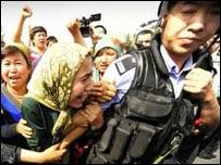 Cina Melarang Jilbab Bagi Umat Islam Turkestan Timur
